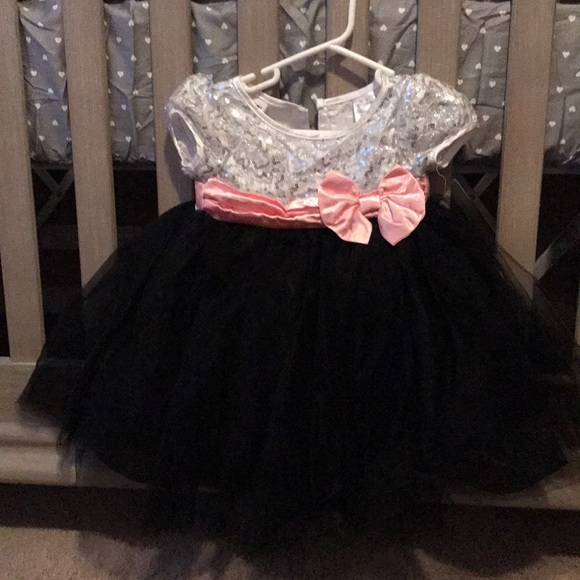Blueberi Boulevard Other - Worn once baby girl sequin dress size 12M